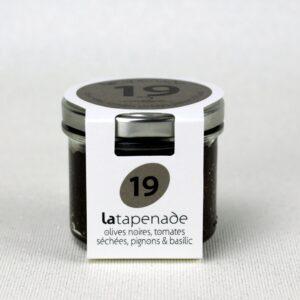Tapenade d'olive noire, tomate séchée, pignon de pin